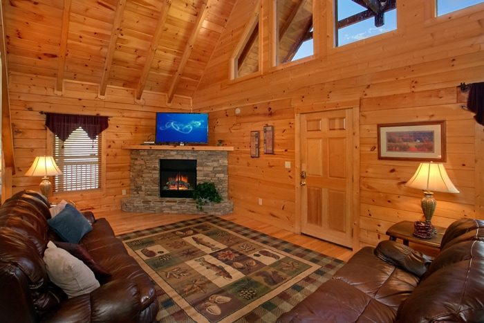 2 Bedroom Cabin with a Gas Fireplace - American Pie 2