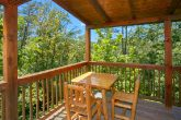 2 Bedroom Cabin with outdoor Dining Area