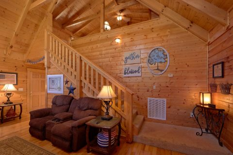 Luxury Cabin Furnished with Dining Room Table - American Pie