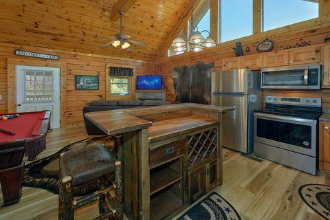 Honeymoon cabin with Full Kitchen - Angel Haven