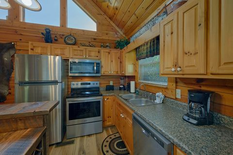 Fully furnished kitchen in 1 bedroom cabin - Angel Haven