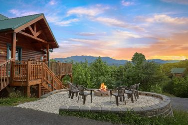 Strange Gatlinburg Cabins In The Smoky Mountains Of Tennessee Interior Design Ideas Tzicisoteloinfo