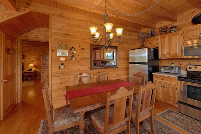 2 Bedroom Cabin with Dining Room and KItchen - Angel's Landing