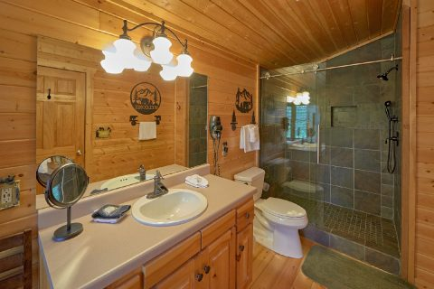 2 Bedroom Luxury Cabin with oversize Shower - Angel's Landing