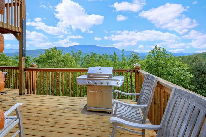 Luxurious Gatlinburg Cabin with View of Mountain - Angel's Landing