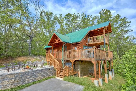 Gatlinburg 2 Bedroom cabin with Fire Pit - Angel's Landing