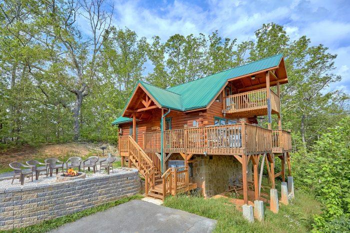 Gatlinburg 2 Bedroom cabin with Fire Pit - Angel's Landing