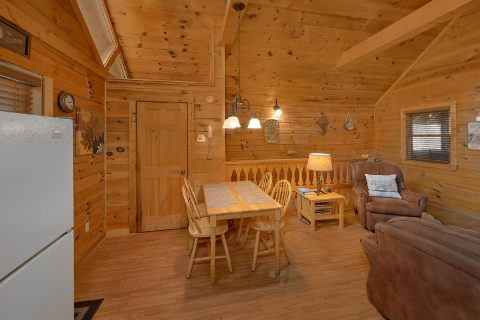 1 Bedroom Cabin with King Bed and Private Bath - Angel's Ridge