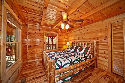 Cabin with view of Deck - Apache Sunset