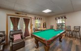 Rustic 3 Bedroom Cabin with Pool Table