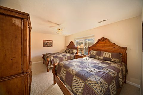 Room with two Queen Beds - Applewood