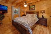 Spacious 2 bedroom cabin with King bedroom