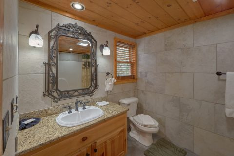 Full Bath Room in all Bedrooms - Arrowhead View Lodge