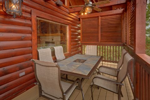 Outdoor Seating 6 Bedroom Cabin Sleeps 14 - Arrowhead View Lodge