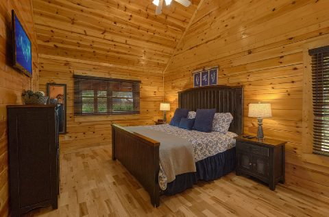 2 bedroom cabin with luxurious Master Bedroom - Autumn Breeze
