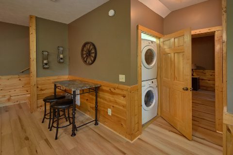 Hot Tub at 2 bedroom Pigeon Forge cabin - Autumn Breeze
