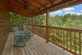 2 bedroom cabin in Pigeon Forge with wooded view