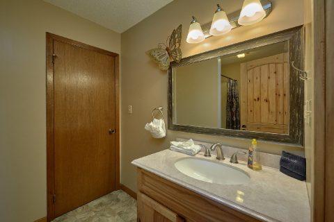 Full Bath Room Master Suite - Autumn On Sunrise
