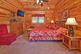 2 Bedroom Cabin with Premium Master King Bed