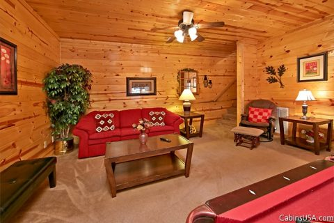 Game Room with Pool Table & Flat Screen - Autumn Ridge