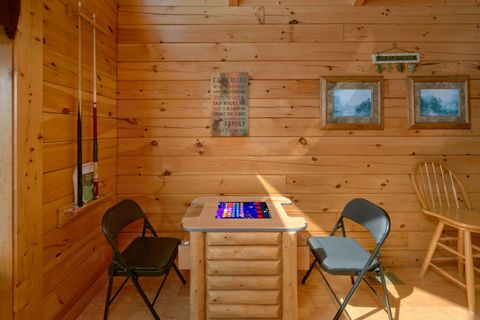 2 Bedroom cabin with Arcade Game and Pool Table - Autumn Run