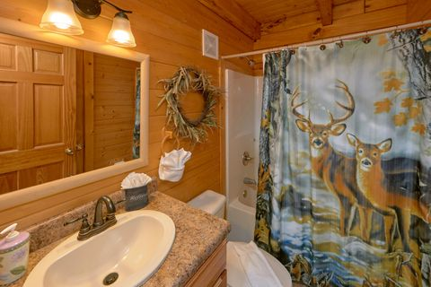 2 bedroom cabin with private master bath - Autumn Run