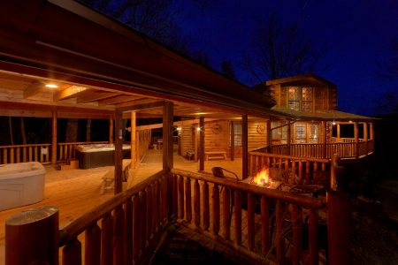 Above The Smokies: 5 Bedroom Sevierville Cabin Rental