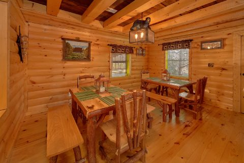 Private 5 Bedroom Cabin with Dining for 12 - Bar Mountain