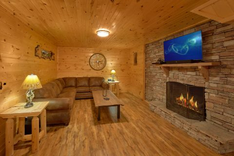 Spacious Cabin with Den and Gas Fireplace - Bar Mountain