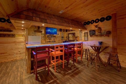 5 Bedroom Cabin with Full Bar - Bar Mountain