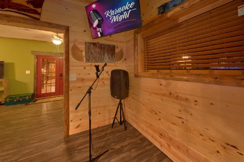 Unique Cabin in Gatlinburg with Karaoke - Bar Mountain