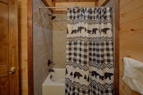 King Bedroom with Full Bathroom - Bar Mountain II