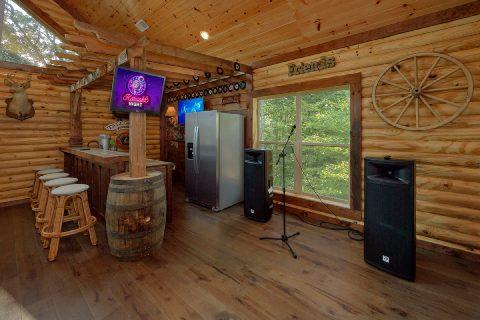 Luxury 5 Bedroom Cabin with Karaoke - Bar Mountain II