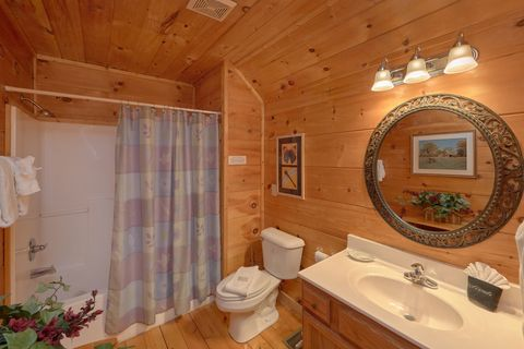 Rustic Cabin in Gatlinburg with 2 bathrooms - Bar None