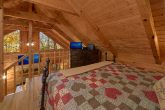 1 Bedroom Cabin Sleeps 4 with Wooded View