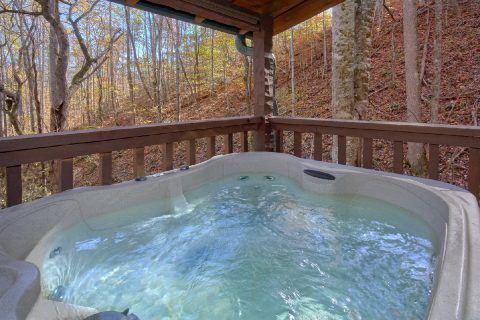 Honeymoon Cabin with Private Hot Tub - Bare Tubbin