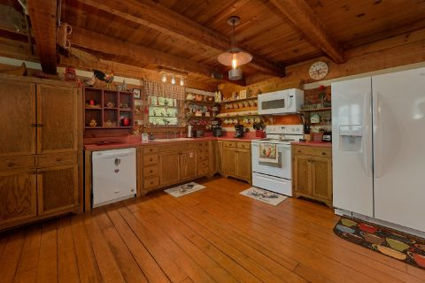 3 Bedroom Cabin with Fully Equipped Kitchen - Bear Cove Escape