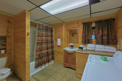 Full Bathroom with Shower and Washer / Dryer - Bear Cove Escape