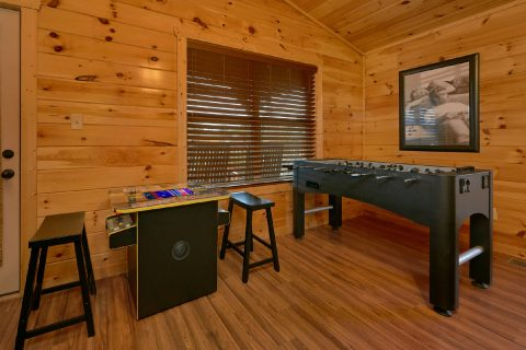 6 bedroom cabin with arcade game and foosball - Bear Cove Lodge