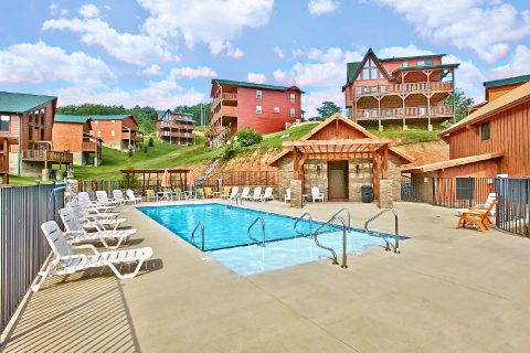 Resort Pool Access from 6 bedroom cabin - Bear Cove Lodge