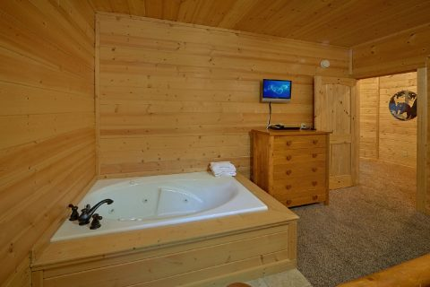 4 Bedroom Cabin with 3 Jacuzzi Tubs - Bear Creek Lodge