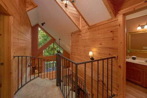 4 Bedroom 4 Bath 3 Story Cabin in Gatlinburg - Bear Crossing