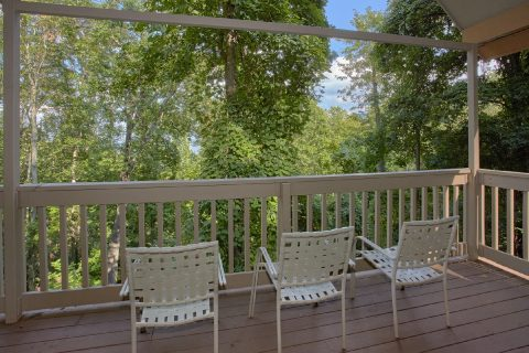 Gatlinburg 4 Bedroom Cabin Sleeps 8 - Bear Crossing