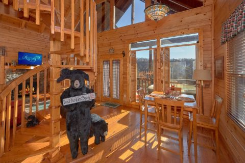 Comfortable 1 bedroom Cabin Sleeps 5 - Bear Heaven