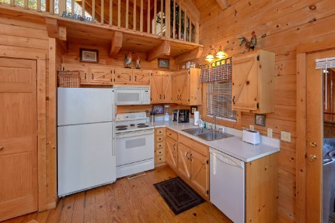 Open Kitchen 1 Bedroom Wears Valley Cabin - Bear Hugs II
