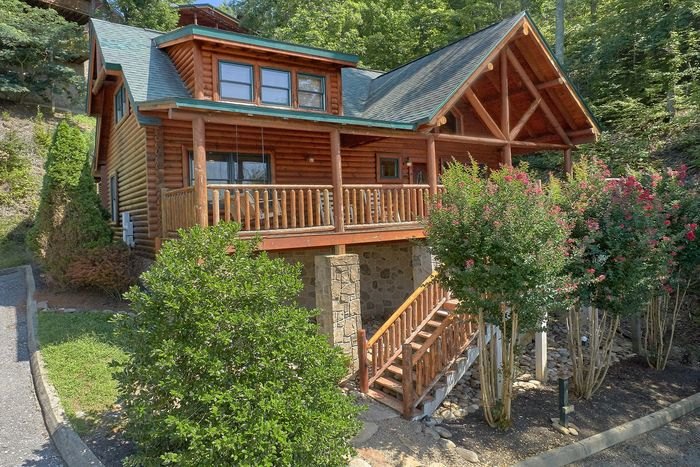 Bear Mountain Lodge Cabin Rental Photo