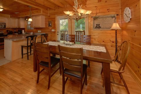 3 Bedrom cabin with Dining Room for 6 - Bear Mountain Lodge