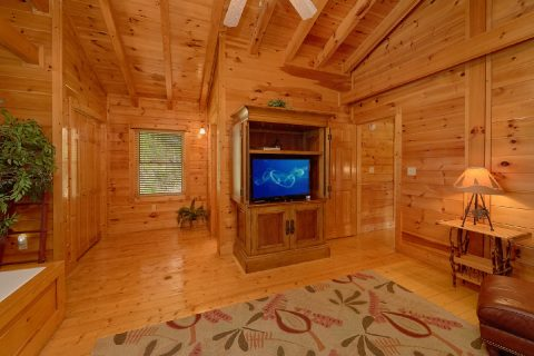 Premium Resort Cabin with Spacious King Bedroom - Bear Mountain Lodge