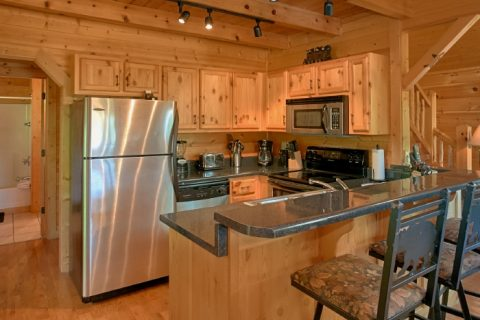 2 Bedroom Cabin with Fully Equipped Kitchen - Bear Necessity