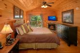 2 Bedroom Cabin With Master Suite and Fireplace